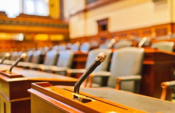 El cínico argumento de un juez que sentenció a sólo 60 días de prisión a un padre violador