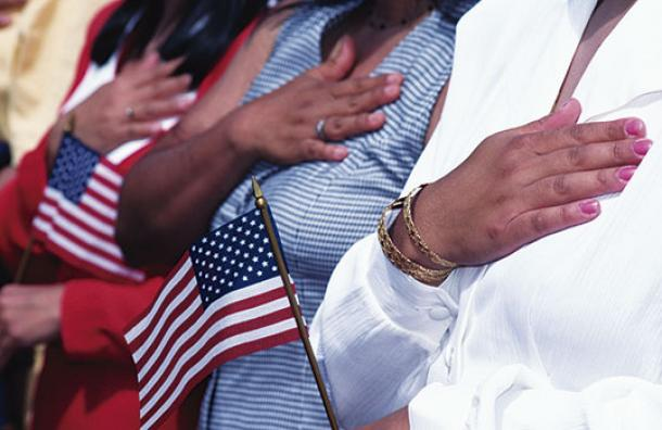Sube el coste de hacerse ciudadano de EEUU, excepto para las familias pobres