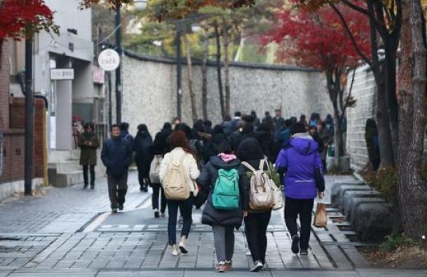 Corea del Sur en silencio para no molestar a los estudiantes que rinden el examen de ingreso a la universidad