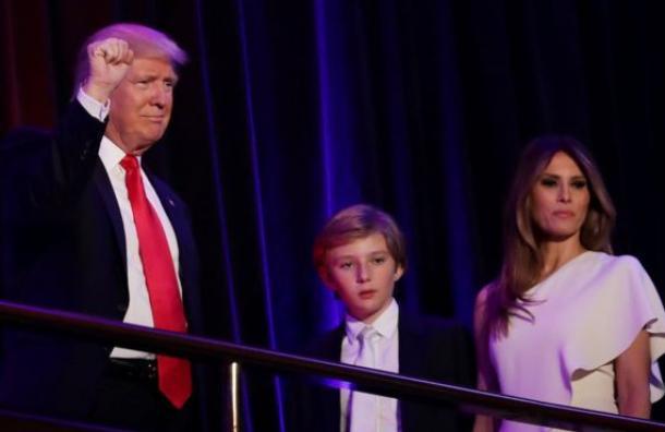 Por qué Melania Trump y su hijo Barron no se mudarán a la Casa Blanca inmediatamente