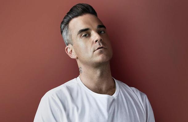 Robbie Williams teme que lo contacten extraterrestres y por ello tiene guardaespaldas las 24 horas