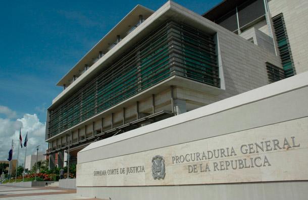 Procuraduría suspende al director de cárcel de La Vega