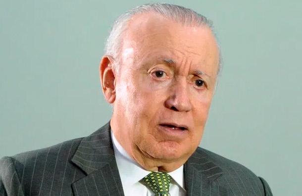 Rafael Alburquerque presenta su renuncia del PLD