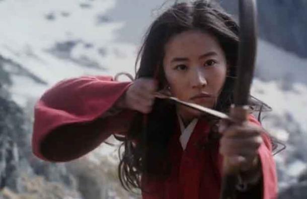 Película Mulan nueva adaptación con personajes reales