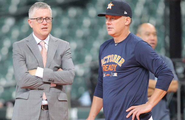 Gerente y manager de Houston despedidos tras suspensión de las Grandes Ligas