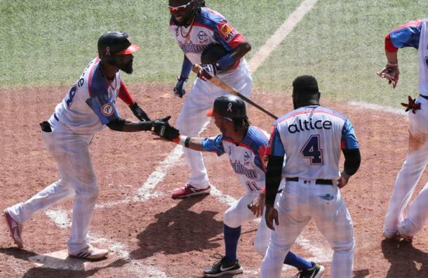 Dominicana vence a Panamá y avanza a la semifinal de la Serie del Caribe