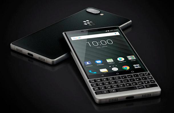 TCL dejará de producir y vender teléfonos móviles BlackBerry
